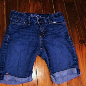 navy blue Levi jean shorts